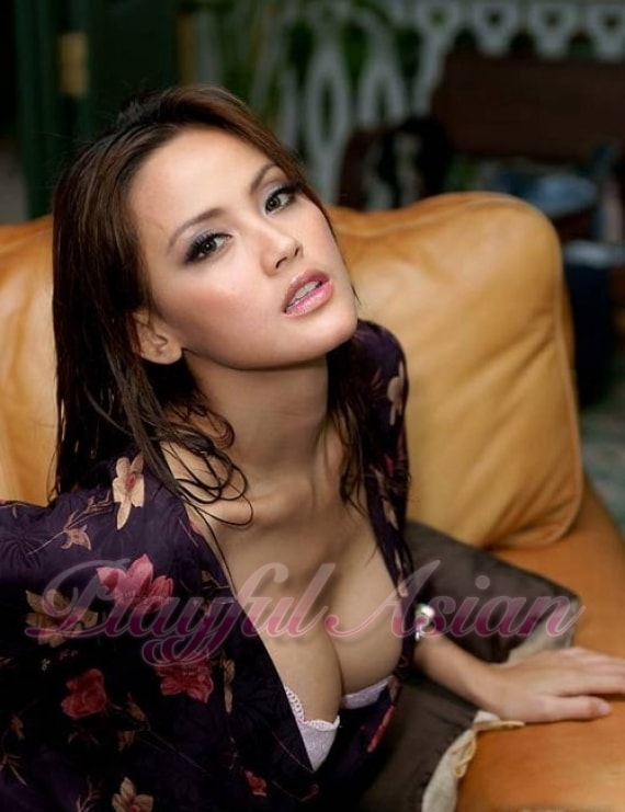 Alice Asian Escort